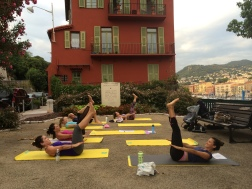"Outdoor training in Nice | Mixed CREW and industry professionals doing the famous Pilates ""hundreds"""